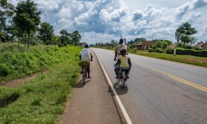 Riding to Kenya, Busia with a bicycle.