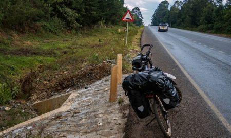 Clymbing on a bicycle from Kericho to Nakuru in Kenya.