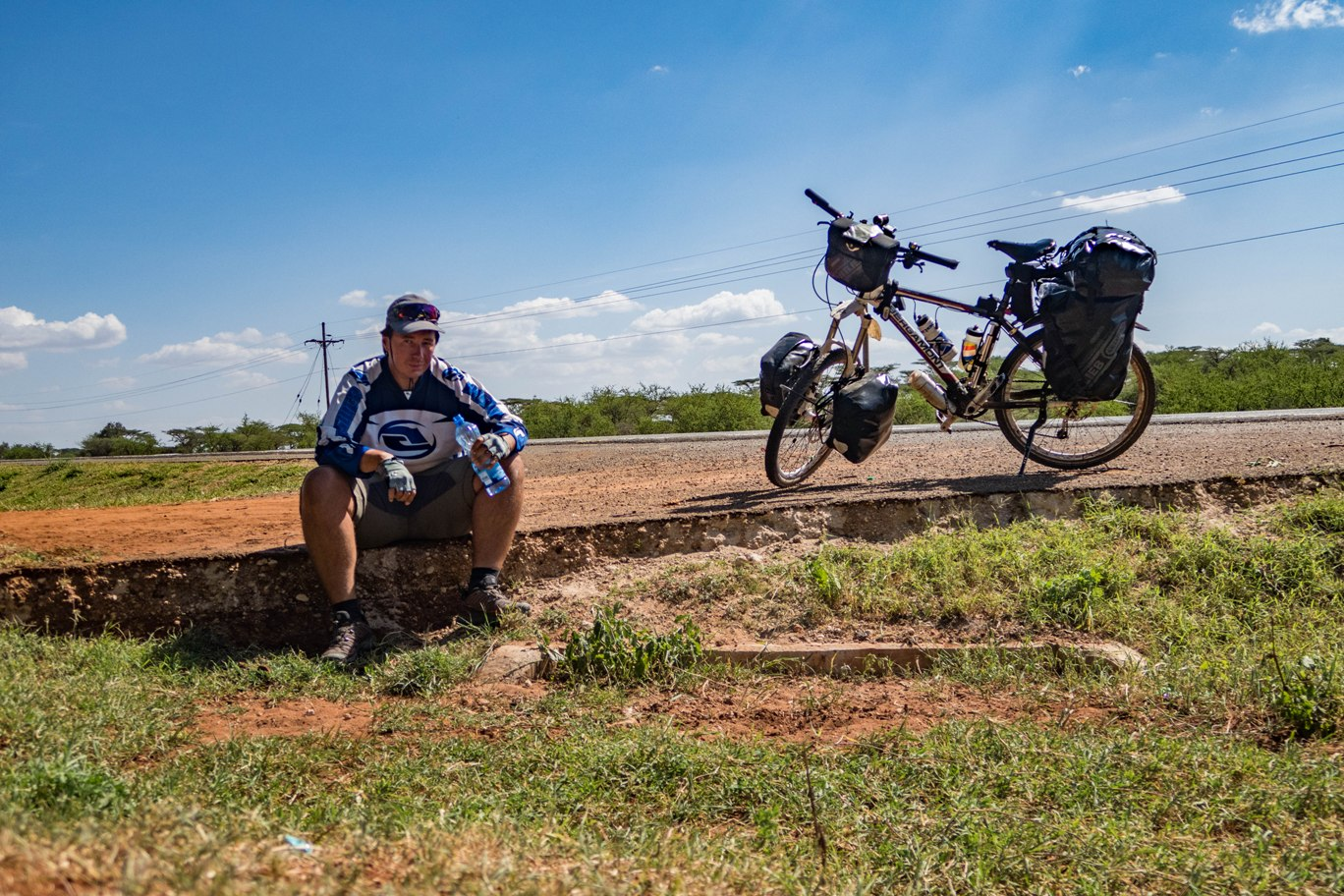 Cycling in Kenya to Namanga Tanzania border.